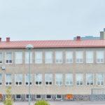 Keskuskoulun suojelumerkintä takaisin kaavaan