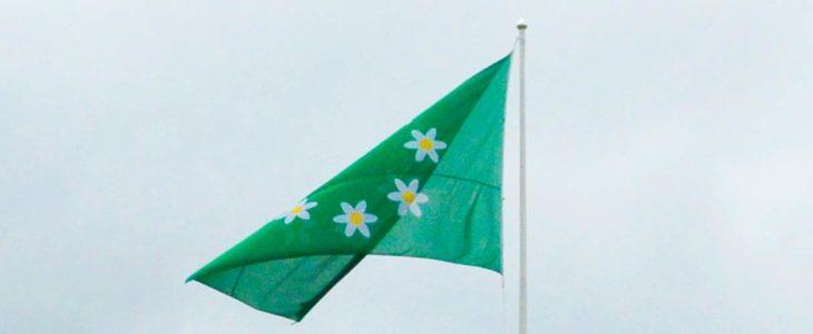 Raaseporin kaupungin lippu liehuu