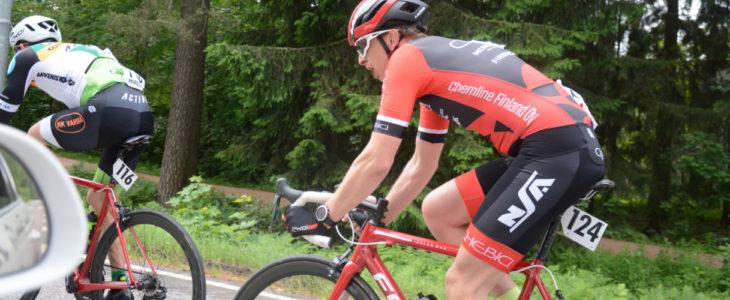Johan Nordlund pyöräilemässä