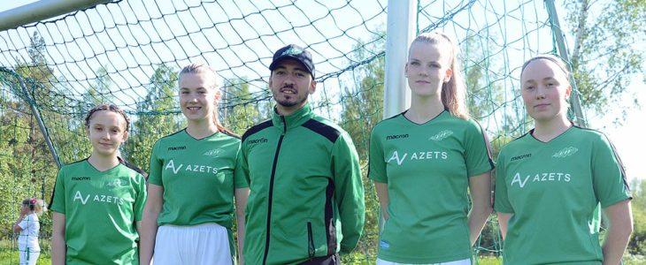 Päävalmentaja Bruno Vivas johdattaa joukkonsa uuteen kauteen. Kuvassa Ellen Sandbacka (vas.), Engla Ahlberg, Astrid Johansson ja Jenna Laukkanen, jotka pelaavat myös T 18-joukkueessa.